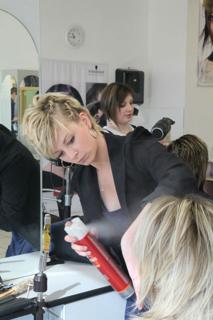 salon de coiffure recherche apprenti bp lyon votre